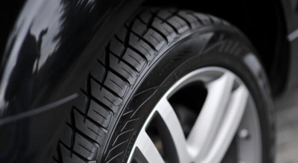pneu-do-carro-cuidados-com-estrada